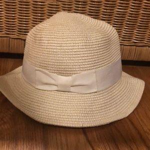 Aritzia Talula Pelham Hat - White Ribbon